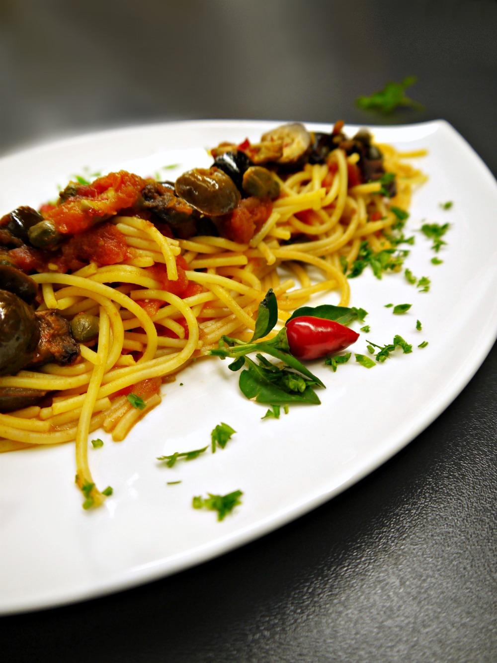 Αυθεντική πουτανέσκα στην επίσημη γεύση της Νάπολης