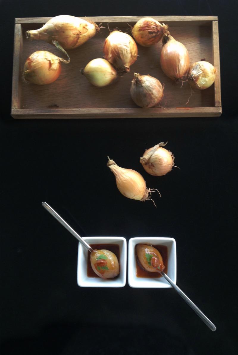 γλυκόξινα καραμελωμένα κρεμμύδια