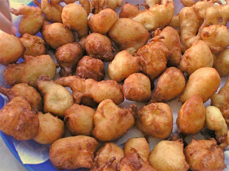 Loukoumades (sweet dough balls) with orange & honey