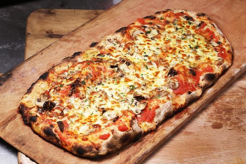 πίτσα - ιστορία μέρος β': όνομα, συγγενείς, πρώτα υλικά - pinsa romana
