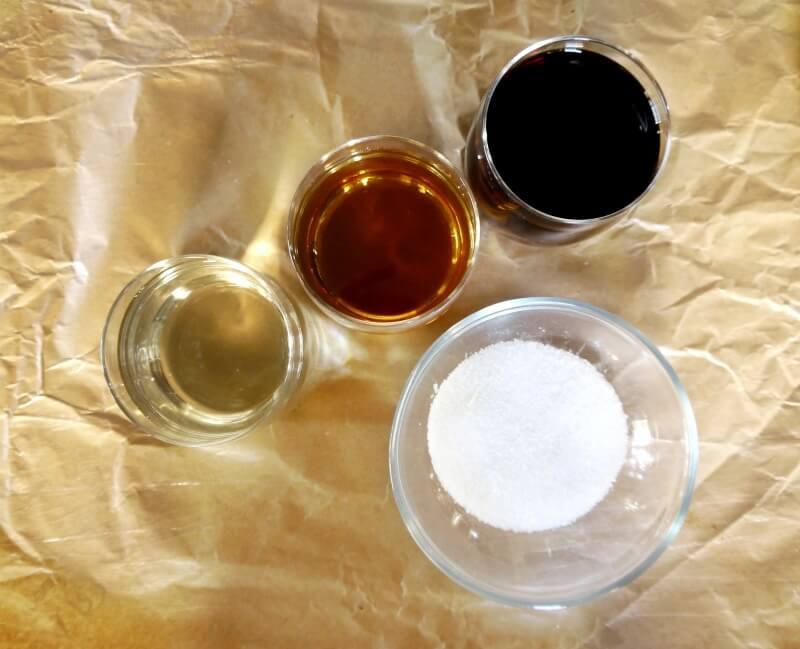 τα 4 υλικά για την αυθεντική σάλτσα τεριγιάκι