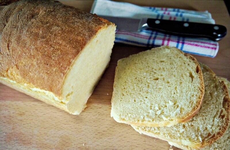 ψωμί μόνο με σιμιγδάλι