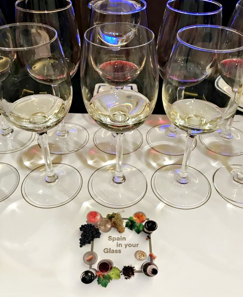 Τα λευκά ισπανικά κρασιά της γευσιγνωσίας