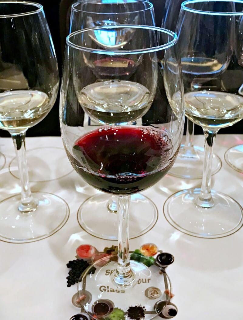 Κόκκινο ισπανικό κρασί από την γευσιγνωσία 10 οίνων