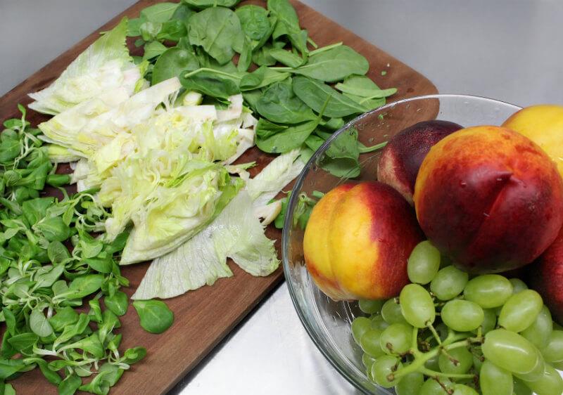 πράσινη σαλάτα με νεκταρίνια - τα υλικά