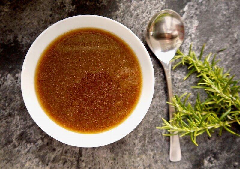 πως κάνουμε απλή σάλτσα (gravy) από ψητό κρέας
