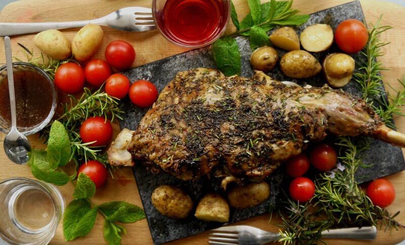 αρνίσιο ή κατσικίσιο μπούτι στο φούρνο