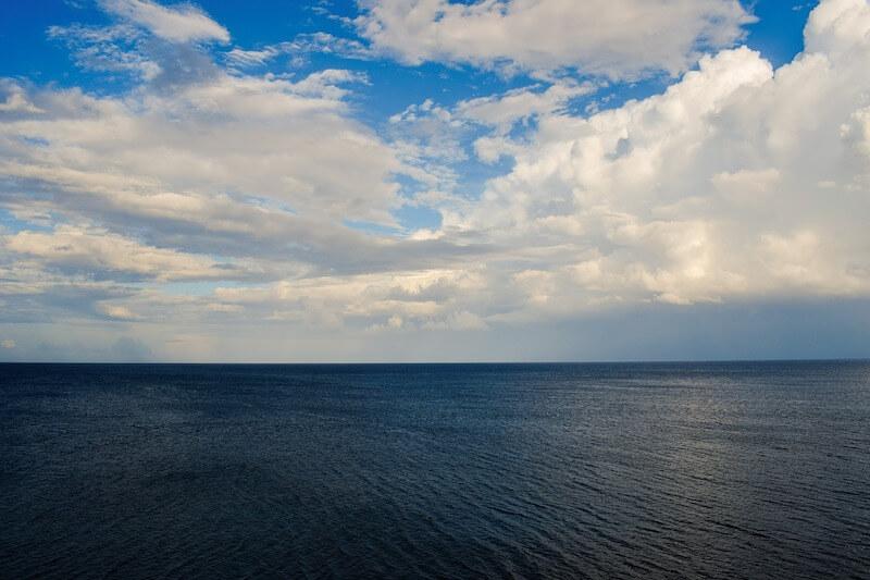 Αλιεία & περιβάλλον - βυθός - ωκεανός - θάλασσα - σύννεφα