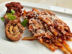 μακαρόνια με κρέας ραγού, αυθεντικό ναπολιτάνικο - μοσχάρι και χοιρινό ραγού - ιταλική συνταγή