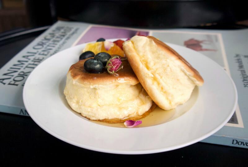 Πολύ αφράτες γιαπωνέζικες τηγανίτες σουφλέ - japanese pancakes συνταγή
