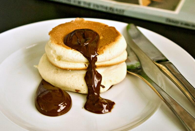 Αφράτες γιαπωνέζικες τηγανίτες σουφλέ - ιαπωνικά pancakes - japanese pancakes χωρίς μπέικιν