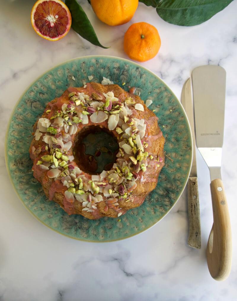 Εύκολο, αφράτο κέικ πορτοκάλι, σανγκουίνι, μανταρίνι νηστίσιμο - vegan, με γλάσο