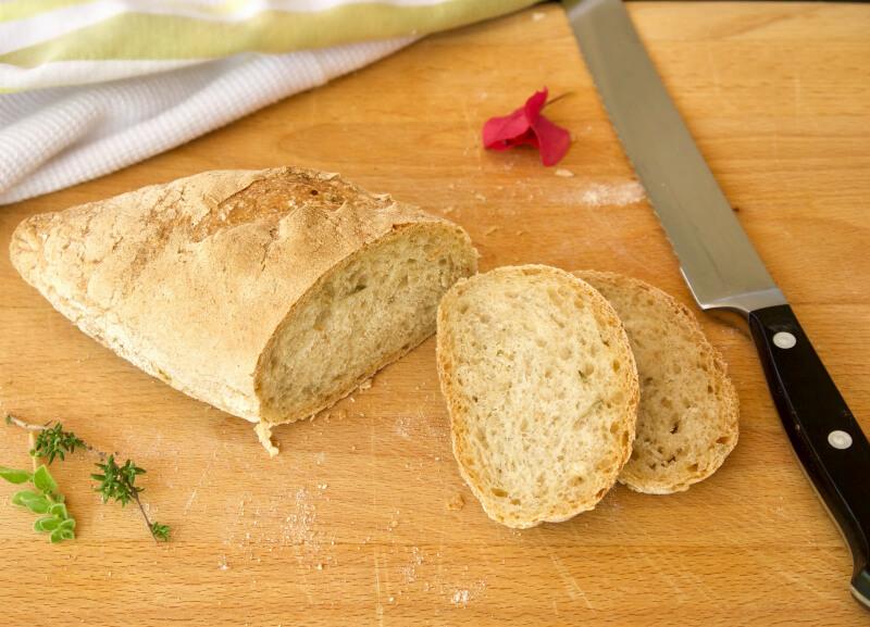 Ψωμί μπαγκέτ χωρίς ζύμωμα, έτοιμο σε 3.5 ώρες