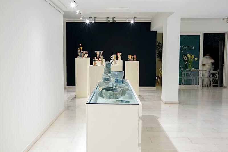 Άποψη της γκαλερί Art Appel στην έκθεση Αφηγήσεις από κεραμικές δημιουργίες