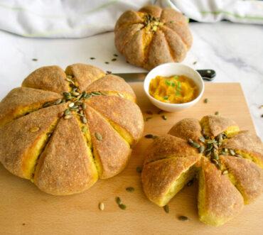 Ψωμί με κολοκύθα (σε σχήμα κολοκύθας)