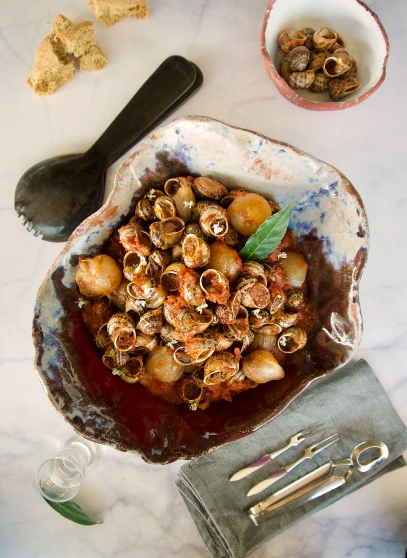 Σαλιγκάρια (χοχλιοί) στιφάδο κρητικά