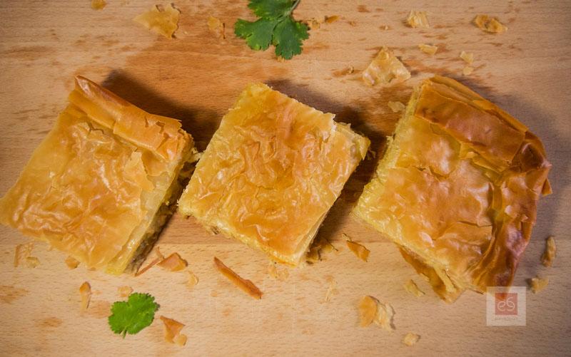 Παραδοσιακή πίτα με κοτόπουλο, με συνταγή 120 χρόνων