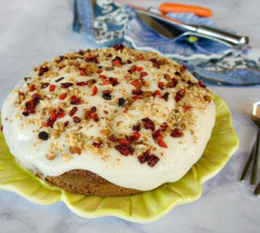Κέικ καρότου με γλάσο τυριού: εύκολο, ελαφρύ, υγιεινό