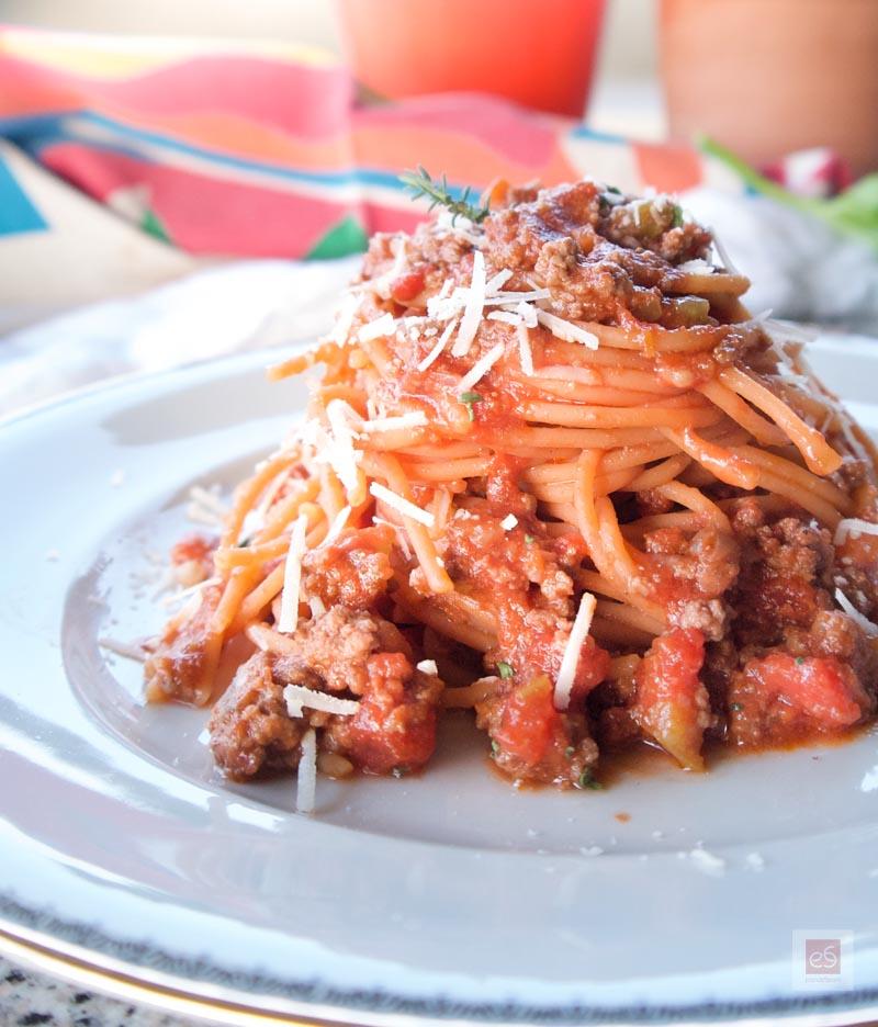 Υγεινά, με 2πλάσια πρωτεΐνη, μακαρόνια με κιμά (γρήγορο ραγού) με Spaghetti από κόκκινες φακές Barilla